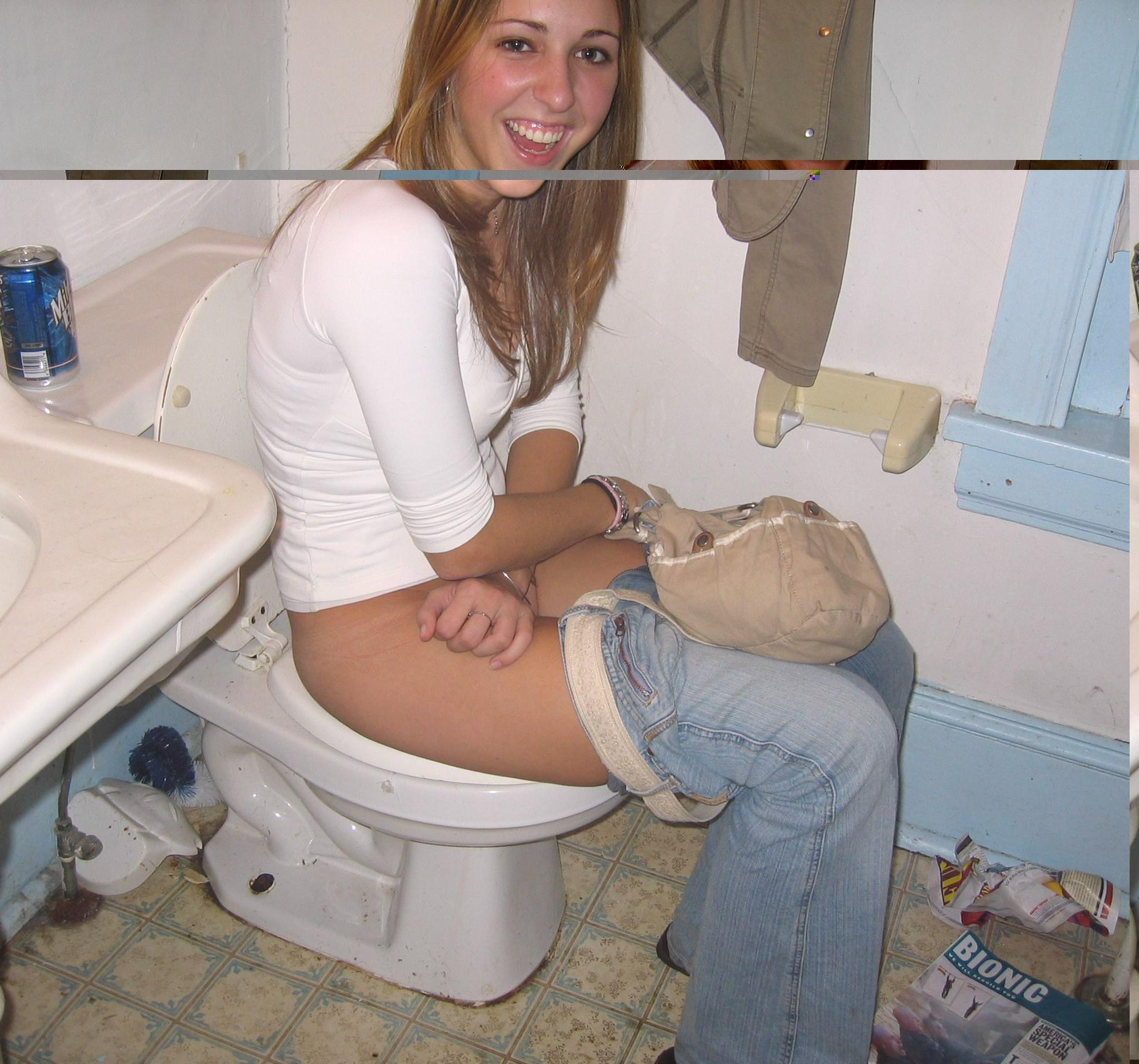 devushki-pisayut-v-tualete